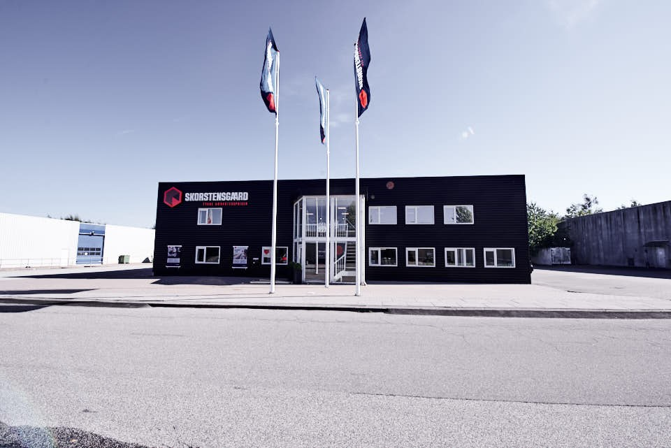 Skorstensgaard autoværksted i Egå ved Århus. Reparation og service på biler uanset mærke og årgang