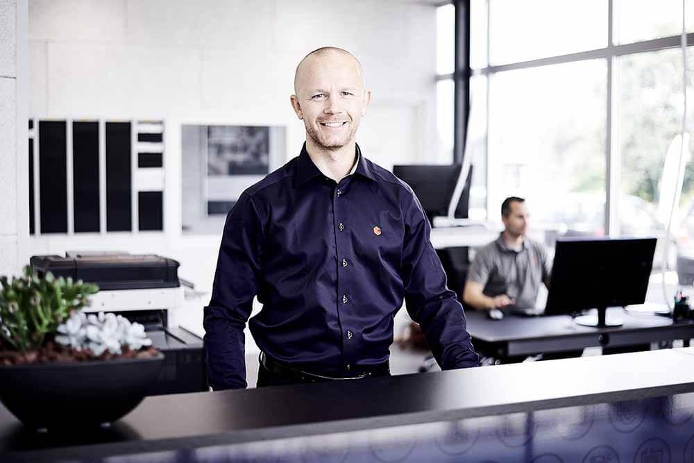 Afdelingschef og Partner på vores værksted i Haderslev - Dette er Dennis Petersen