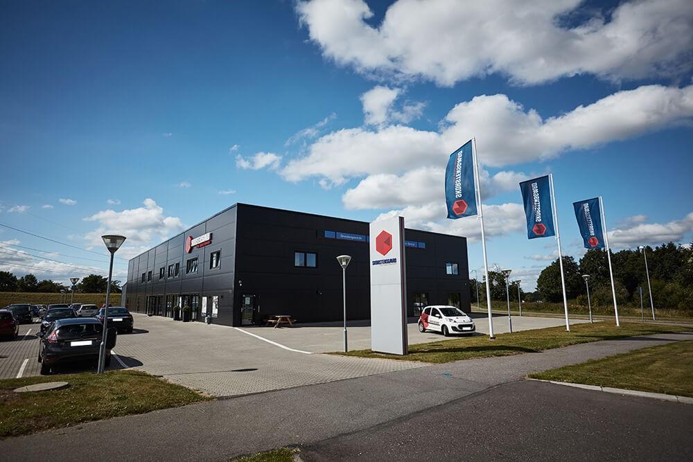 Skorstensgaard autoværksted i Kolding - Dette værksted er samtidig hovedkontor og huser administrationen