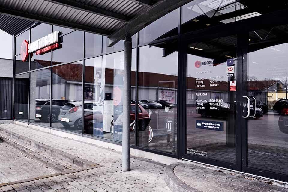Indgang for kunder til vores indskrivning - Skorstensgaard Odense C