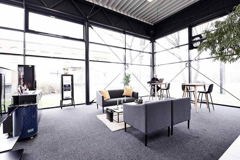 Skorstensgaard i Odense C - Takket være gratis internet kan du arbejde i vores venterum mens din bil er til service