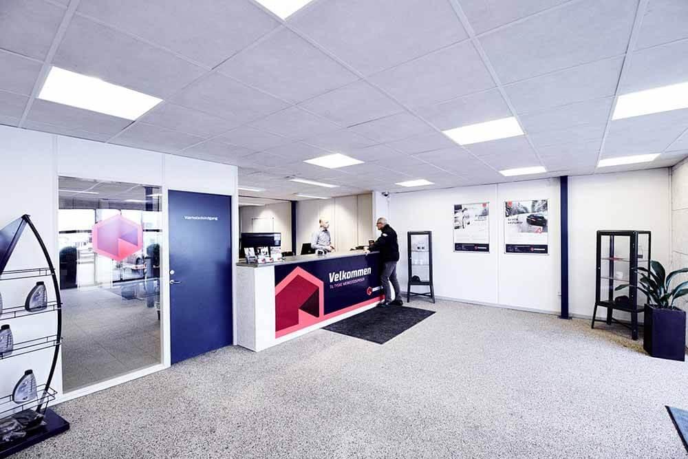 Skorstensgaard autoværksted i Odense SV - indskrivning af bil på værksted