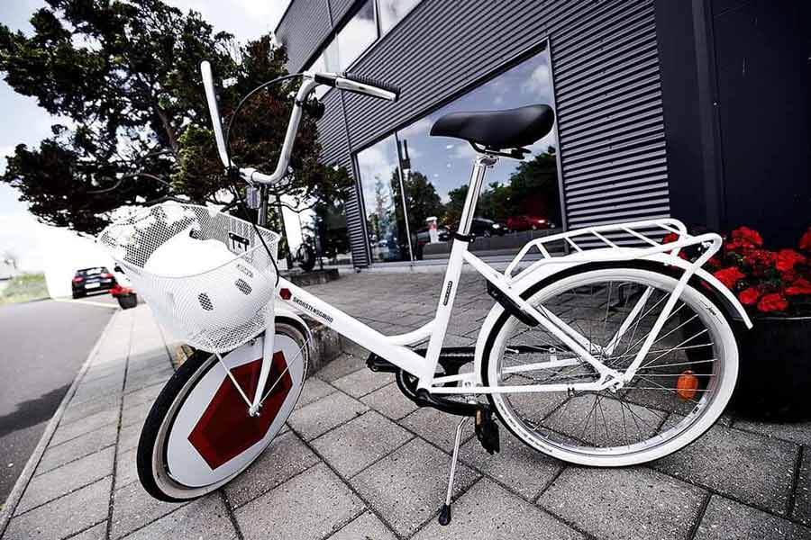 Lån kundecykel ved Skorstensgaard i Tåstrup ved København - spar penge på reparation af bil