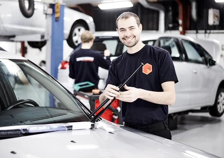 Du skal kunne se ud af forruden på din bilferie, så kontroller viskerblade før afgang.