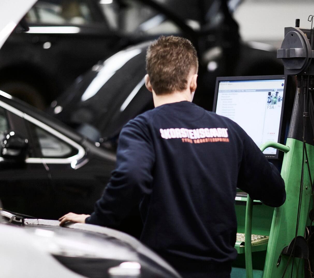 Veluddannede mekanikere foretager service og reparation af alle Renault biler hos Skorstensgaard Svendborg
