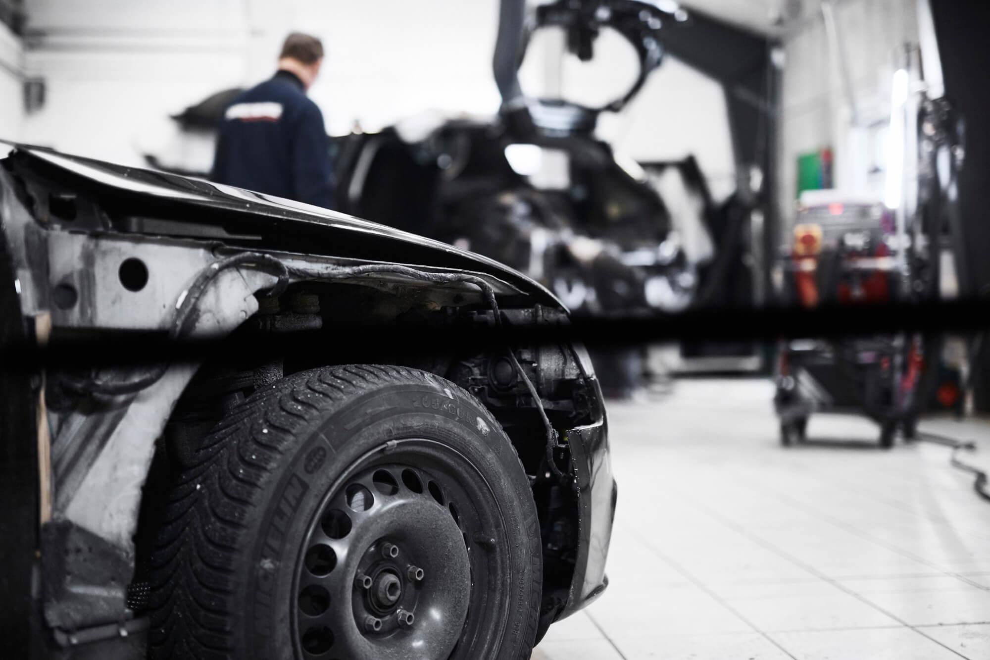 SKG-Karosseriskade-klar-til-montering-af-ny-forskaerm